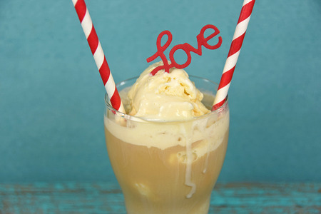 root beer: red and white striped straws in root beer float with love sign