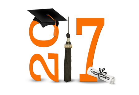 congratulations: Clase de 2017 graduación tapas y naranja número aislado en blanco