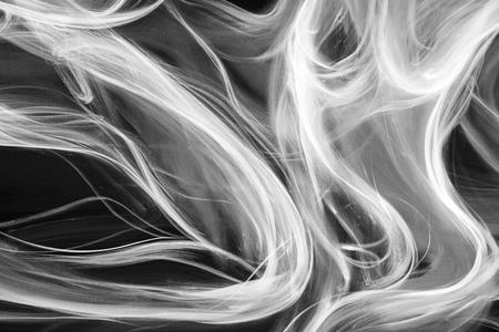 abstracte witte rook op zwarte