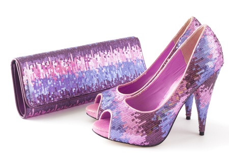 白地にピンクの光沢のある靴とのマッチング バッグの皮をむくを分離します。