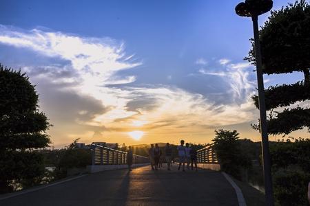 tou: sunset scenery at lake side