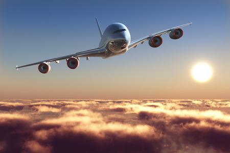 Avión de pasajeros sobre las nubes.