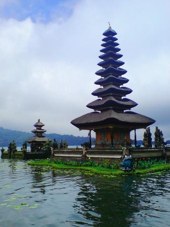 pura: Pura Bratan temple in Bali Indonesia
