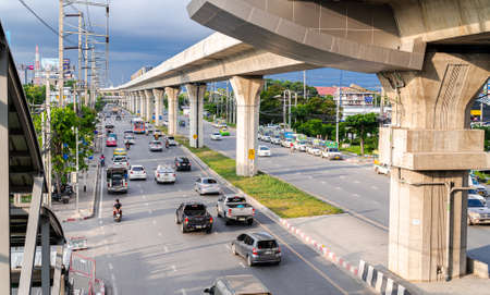 BTS Phraek Sa Station,Samut Prakan,Thailand-October 04.2020. Overhead and shade. There are traffic congestion on the road below and new skytrain platform. Redakční