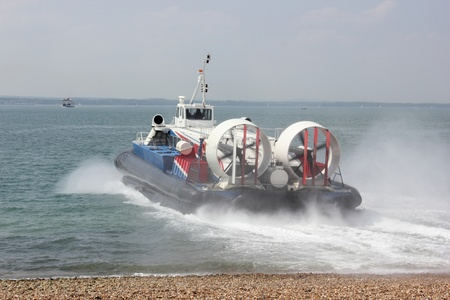 aéroglisseur: Hovercraft passagers