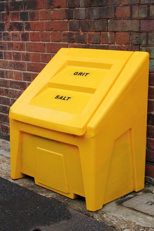 grit: Salt   grit container