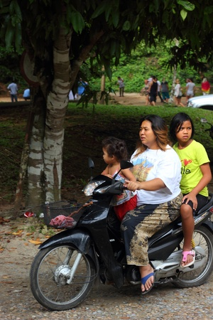 cheapest: The easiest & cheapest way of getting around in thailand