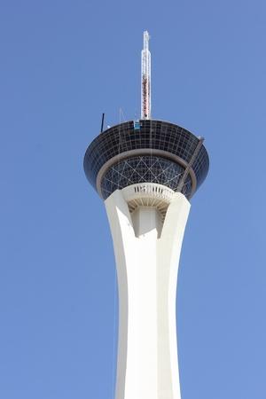 estratosfera: O Stratosphere Hotel e Casino ao longo da Strip de Las Vegas, Nevada, abril 2013 Editorial