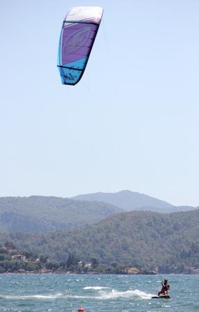 windsurfing: TURQU�A, CALIS, julio 2013-Kite surf es un deporte de aventura extrema descrito como una combinaci�n de wakeboard windsurf y parapente