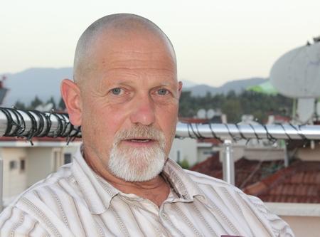 englishman: An englishman with a bald head and a beard