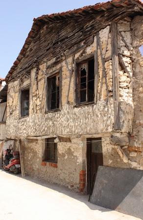 in disrepair: Un vecchio edificio in rovina in Calis, Turchia 2014