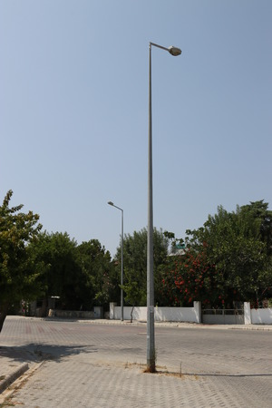 architectural lighting design: A poor design of a lampost in the middle of a street