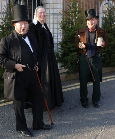 victorian christmas: 26TH NOVEMBER 2016, PORTSMOUTH DOCKYARD,ENGLAND; Unknown actors playing the part of victorians at the yearly Victorian Christmas festival in Portsmouth dockyard, England, 26th November 2016 Editorial