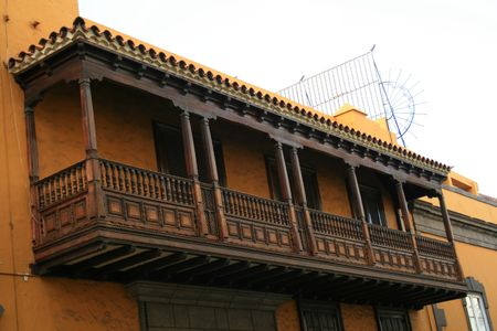 colonial style balcony