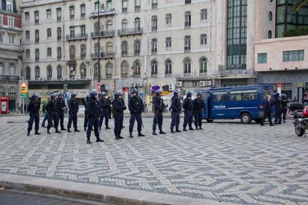 Portugal, Lisboa ? November 20, 2010: die Proteste gegen die NATO, am Tag der NATO-Gipfel in Lissabon Editorial