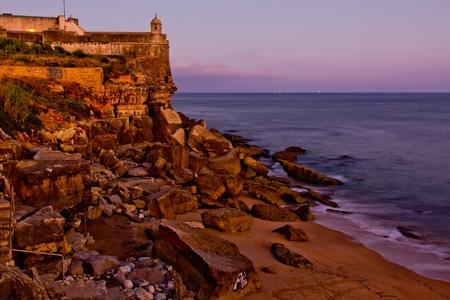 Alte Festung auf dem Felsen Lizenzfreie Bilder