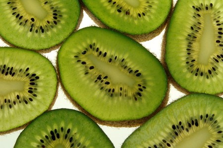 Kiwi slices abutting each other