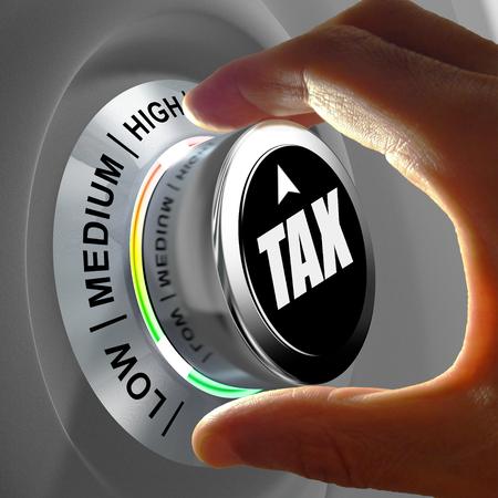 administrativo: Este concepto de ilustración muestra un botón con tres niveles de impuestos y los dedos graduando la cantidad a ser tan bajo como sea posible. Foto de archivo
