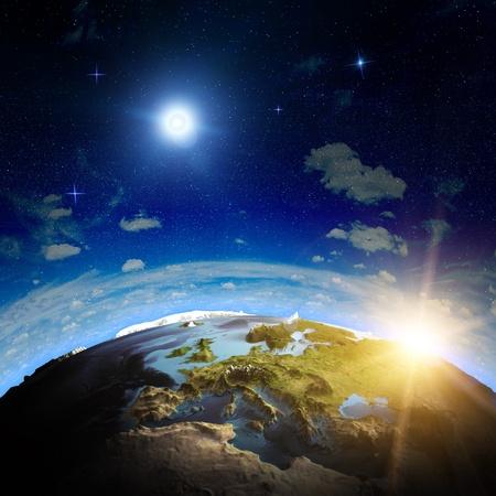 földgolyó: Európa napkelte Ennek elemei kép bútorozott NASA Stock fotó