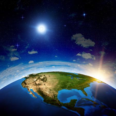 宇宙からの北アメリカ。NASA から提供されたこのイメージの要素