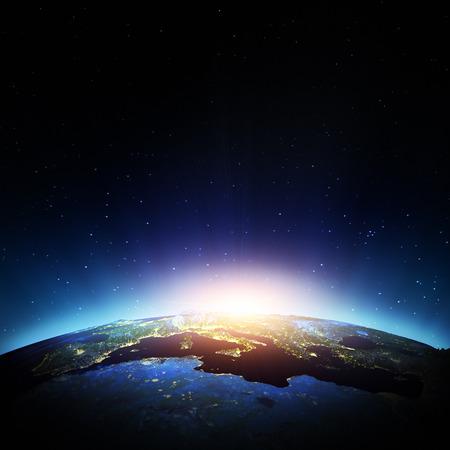 dia y noche: Europa desde el espacio. Elementos de esta imagen Foto de archivo