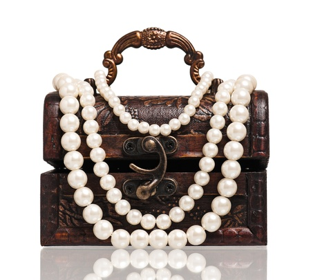 Chest with pearl photo