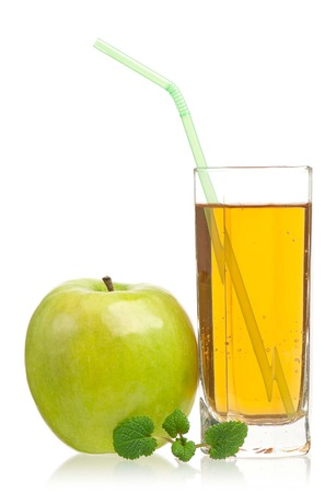Fresh apple juice in the glass isolated on a white background close-up Reklamní fotografie - 27432330