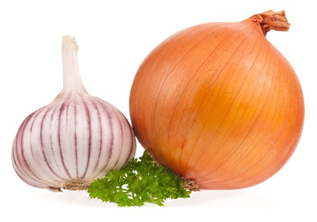 clean artery: Garlic bulb with onion and fresh parsley on white background cutout