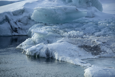 ice blocks: Ice blocks melting at glacier lagoon Jokulsarlon, Iceland in wintertime