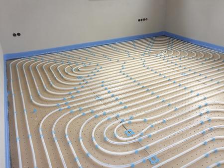 床下暖房システム新しい建設の家 写真素材