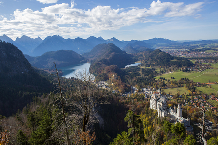 Neuschwanstein Castle with mountain panorama, Bavaria, Germany, in autumn Stok Fotoğraf