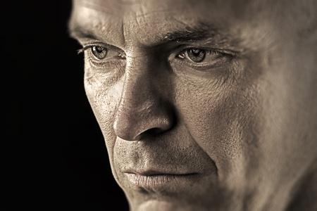 Portret van een thoughtfull en serieuze man Stockfoto