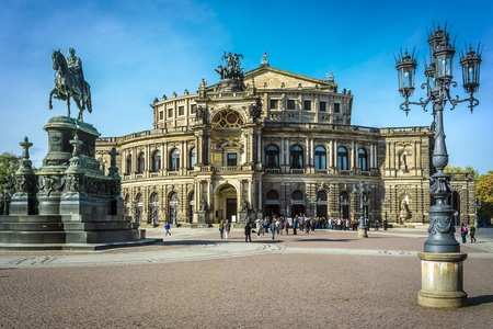 building monumental: Opera house Dresden on a sunny day with blue sky