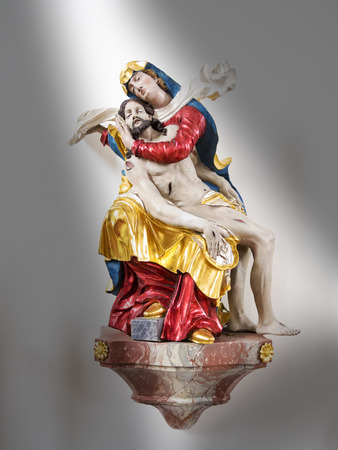 Picture of a statue of Maria with Jesus Stock Photo - 23314077
