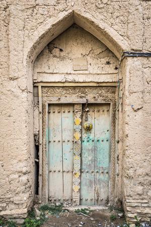 birkat: Image of a door in Birkat al mud in Oman