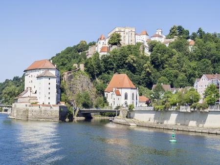 Veste Oberaus in Passau met de rivier de Donau en de Ilz, Duitsland