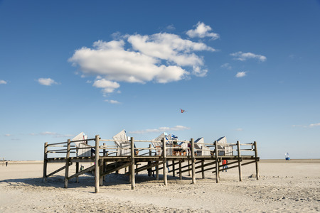 pile dwelling: Image of beach with beach chairs in Northern Germany