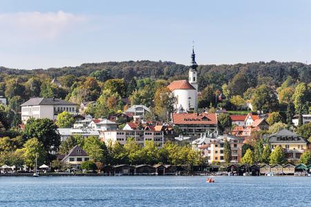 ドイツ、バイエルン州のシュタルンベルク湖畔に表示します。