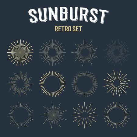 sol radiante: Conjunto de rayos de sol de oro lineales vintage. Ilustración vectorial