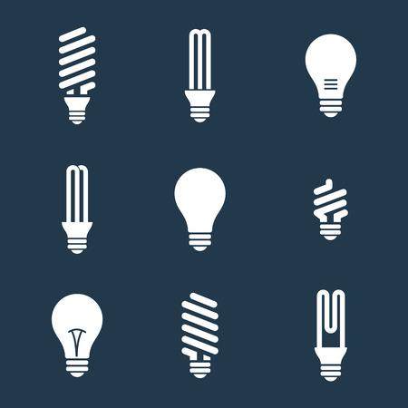 electricidad: Bombillas. Icono del bulbo establecido. Aislado en el fondo blanco. Ahorro de electricidad