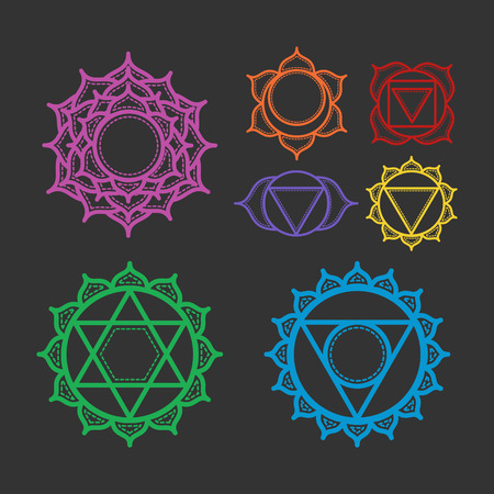 sahasrara: Isolated Set of beautiful indian ornamental 7 chakras. Vector illustration. Color yoga chakra icons isolated on black. 7 chakra mandalas.