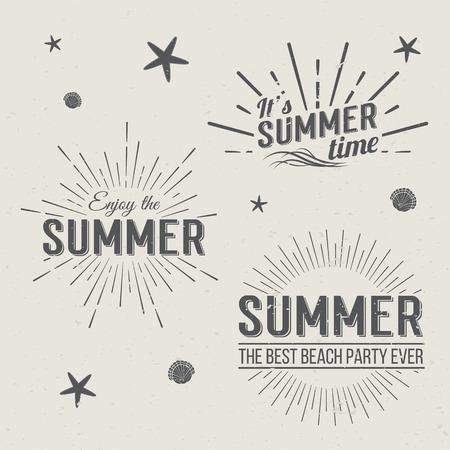 de zomer: Set van Summer Time Templates. Geïsoleerd Typografische Vormgeving Label. Zomervakantie belettering voor de uitnodiging, wenskaarten, posters en prints. Zomerfeest Vector template. Geniet van de zomer.