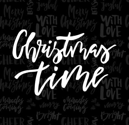 Vrolijke Kerstkaart met kalligrafie Christmas Time op naadloze krijt achtergrond. Sjabloon voor groeten, gefeliciteerd, housewarming-posters, uitnodigingen, foto-overlays. Vector illustratie