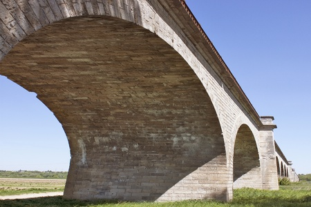 hone: photograph of the viaduct of gien in a meadow Stock Photo