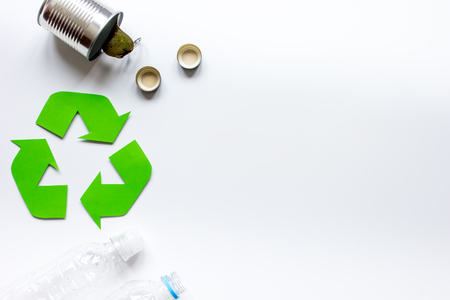 recycle reduce reuse: Eco concept with recycling symbol on table background top view mock up Foto de archivo