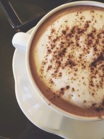hot chocolate: Chocolate caliente.