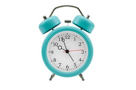 despertador: Reloj de alarma sobre fondo blanco