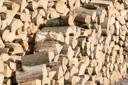 logs or firewood ready for fire up Standard-Bild