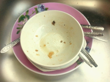 dirty: Dirty dish in sing.