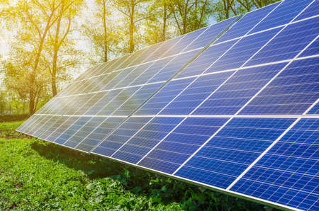 Power plant using renewable solar energy with sun.